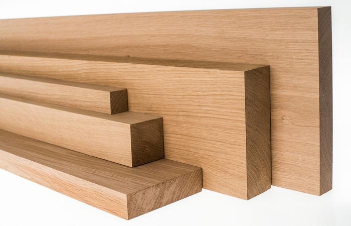 Gỗ acacia thường được dùng trong các sản phẩm bàn ghế ăn, bàn ghế khách sạn tại Nội Thất Hòa Phát