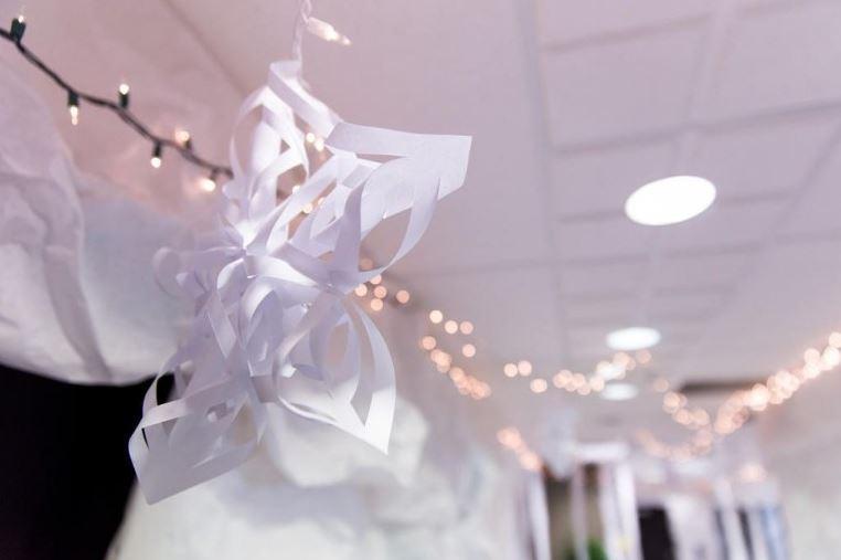 Một bông hoa tuyết phức tạp cho căn phòng thêm phong cách
