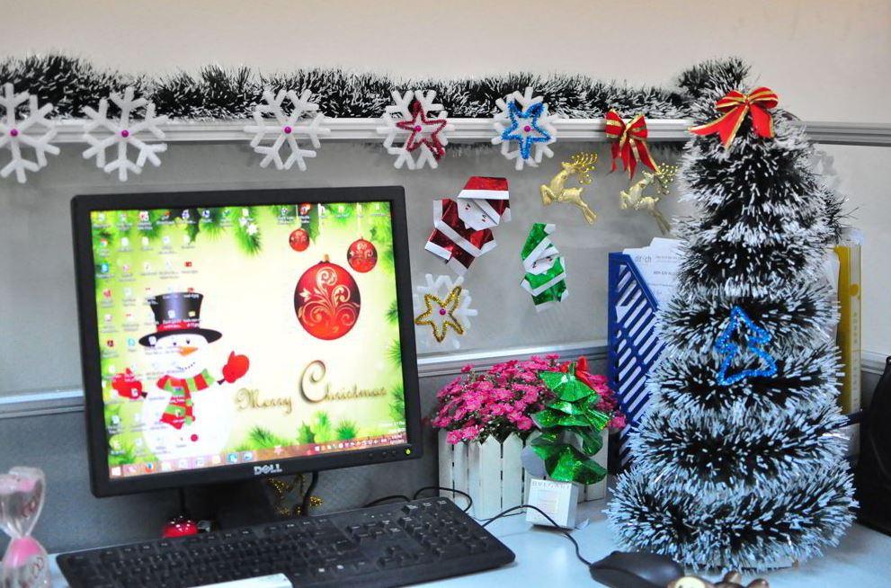 Thấy được cây thông, dây kim tuyến cùng những ngôi sao là cảm nhận được Noel
