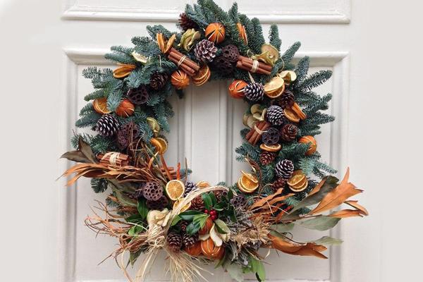 Vòng lá mùa vọng, một trong những nét đặc trưng đêm Noel