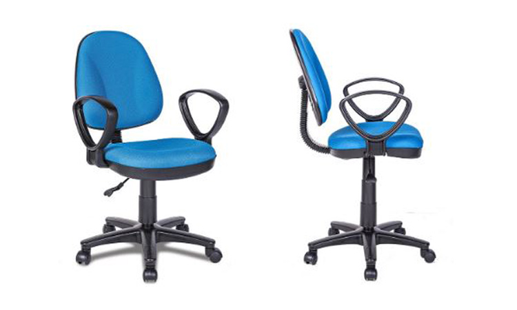 Vải nỉ thường bọc ghế văn phòng có mức giá thấp nhưng rất dễ bám bụi