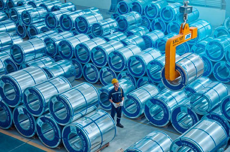hòa phát xuất khẩu 12000 tấn tôn mạ