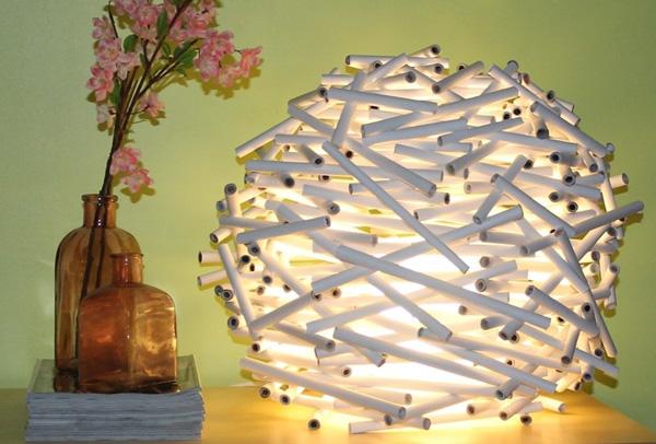 Những chiếc đèn lồng từ giấy sẽ trở nên lung linh về đêm
