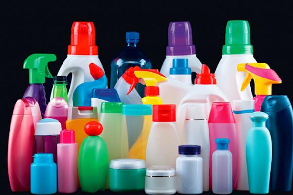 Sử dụng các loại chai nhựa dùng hết để đựng lại chất lỏng như xà bông, nước giặt giảm thiểu nhu cầu tiêu thụ nhựa
