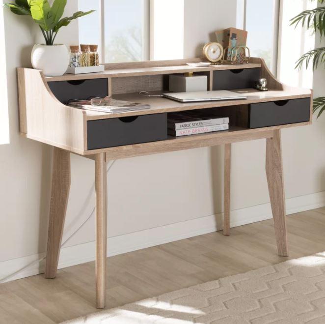 Kiểu dáng hiện đại cho bạn nhiều cảm hứng khi ngồi vào mẫu bàn này, những ngăn hộc được phân chia rõ ràng để đựng vật dụng mà không sợ bị thất lạc.
