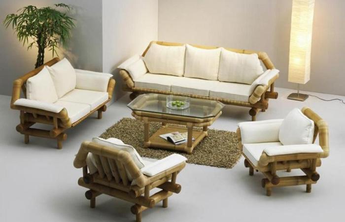 Thiết kế bàn ghế từ nhiều chi tiết nên khó vệ sinh hơn