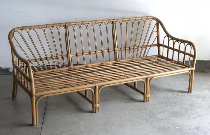 Bàn ghế làm từ chất liệu tre mang lại cảm giác gần gũi, thân thuộc